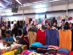 OL市場でバンコクっ子に混じってお買い物&ランチ