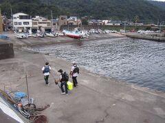 【網代港・網代漁港】釣り人を見ながら街を散策。釣り堀はロケでも使われる有名スポット!