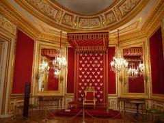 秋のポーランド世界遺産巡り その3 旧王宮の豪華さに圧倒!ワジェンキ公園で彷徨う
