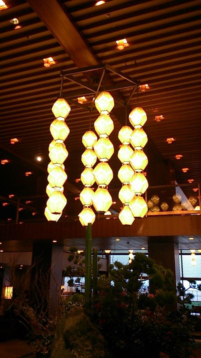 東京を代表する名ホテル、ホテルオークラ東京の本館が、来年立て替えのため取り壊されます。<br />その前にオークラを楽しもうと、忘年会を兼ねて宿泊してきました。<br />その記録です。