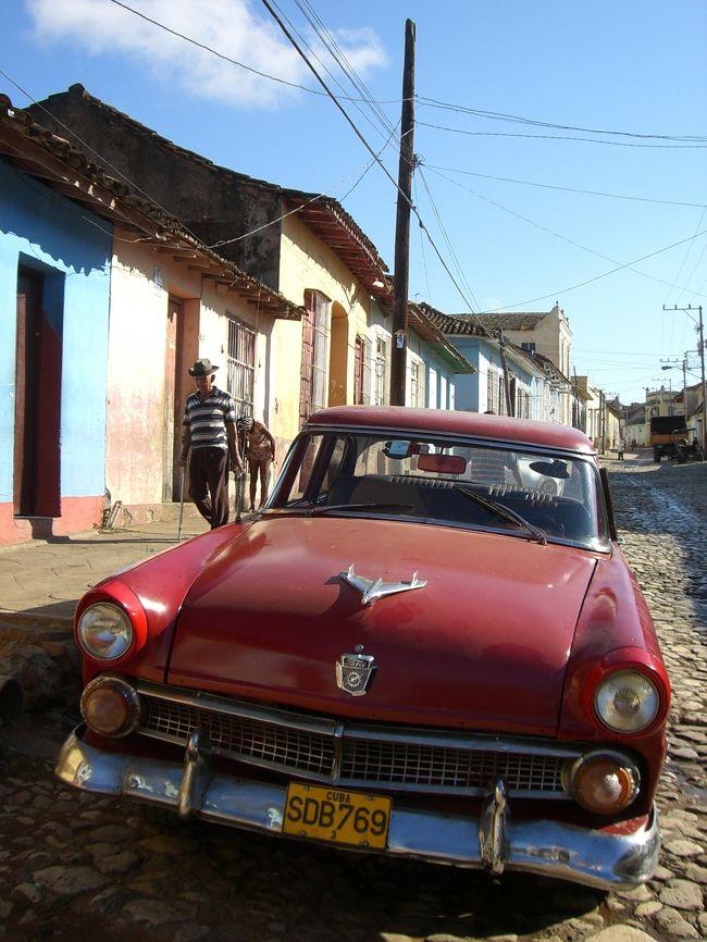 <br />2011年から2012年の年末年始はメキシコ・キューバへ行ってきました。<br />キューバも「カンクンから航空券取れたラッキ」くらいな軽いノリでしたが行けました 笑<br /><br />★アメリカン航空 カンクンin メキシコシティout 179800円<br /><br />あとは現地で手配するラフな旅行でした<br /><br />キューバまでの航空券はカンクンのアエロメキシコ航空事務所で <br />★カンクンーハバナ ハバナーメキシコシティで 5283ペソでした<br /><br /><br /><br />