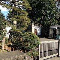 皇宮警察官に警戒されながら東宮御所がある赤坂御用地を一周