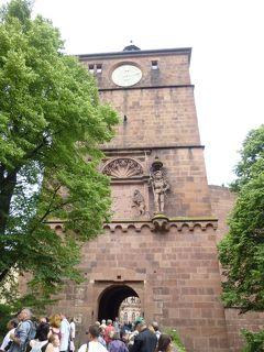 ハイデルベルク城址に残る2つの伝説・悪魔の一噛みと騎士の跳躍