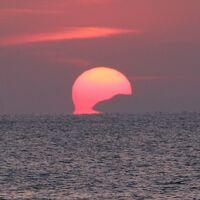 空海が修行した不動岩から観た太平洋に沈む達磨夕陽