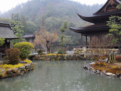 歴史ある小さな街を巡る旅【3】~修道院のワインと雨に煙る古刹~