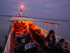 バイバイ、バガン。マリカ号でマンダレーに出航!