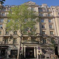 ANAビジネスクラスで行くフランス ② ビジネスクラスの機内サービス、アメニティ等の写真、今回も機内で食事&アルコールを頂きまくります! パリ・オペラ地区の中心にある観光やショッピングに最適なラグジュアリーホテル『パリ マリオット オペラ アンバサダー ホテル』のご紹介編
