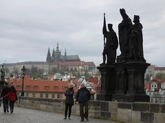 早朝のカレル橋で~チェコ&ブダペストの旅2