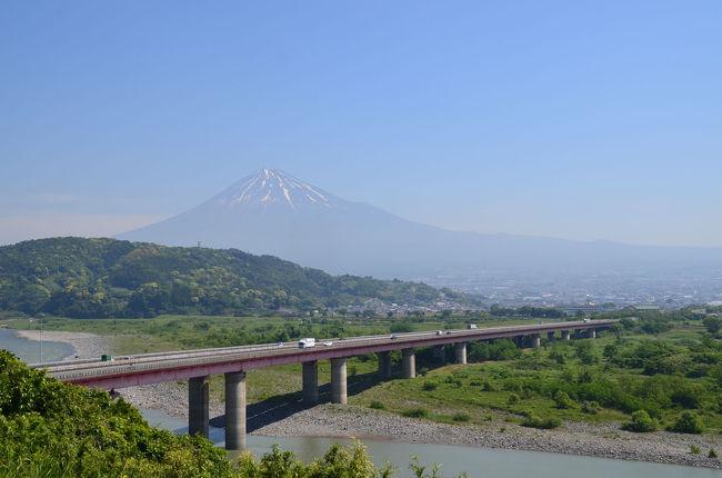 道の駅富士川楽座&amp;東名高速富士川SAを富士山を見ながらウロウロ…。<br /><br />★道の駅富士川楽座のHPです。<br />http://www.fujikawarakuza.co.jp/index.html<br /><br />★NEXCO中日本のHPです。<br />http://www.c-nexco.co.jp/<br /><br />★富士市役所のHPです。<br />http://www.city.fuji.shizuoka.jp/