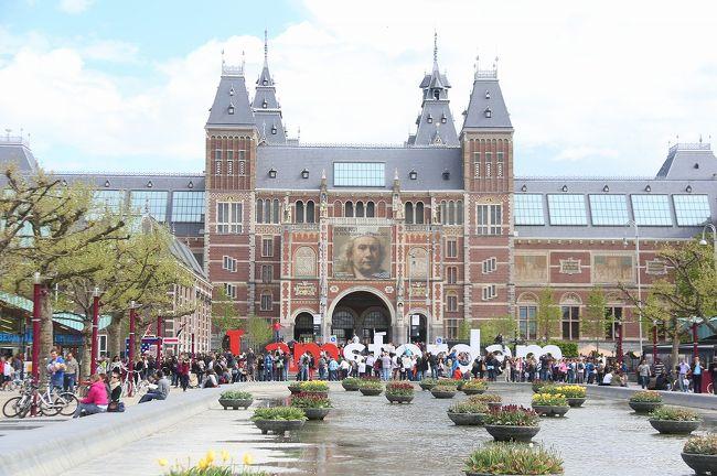 GWを利用してベルギー旅行に行ってまいりました。<br />途中スリに遭うというなんともお恥ずかしい大失態をおかしながらも、かえって妙にテンションあがってしまい、予定外のオランダアムステルダムまで1dayトリップをしての6日間の旅となりました。<br />5月2日ブリュッセル到着〜アントワープ移動<br />5月3日アントワープ〜ブリュッセル移動<br />5月4日ゲント及びブリュージュ日帰り観光<br />5月5日アムステルダム日帰り観光<br />5月6日〜7日帰国<br />こんなスケジュールを場所ごとにアップしていきたいと思います。<br /><br />予定ではベルギーのみだったんですが、ふと見かけた赤い新幹線「タリス」にそそられ、あの赤い新幹線に乗ってみたぃwwというだけの理由でオランダアムステルダム1dayTRIP敢行w<br />そんな観光最終日オランダアムステルダムを再び自転車でかけぬけるっっw<br /><br />よろしければ「ベルギー&ちょこっとアムステルダム その1アントワープ編」からぜひご覧になってください^^<br />http://4travel.jp/travelogue/11011309