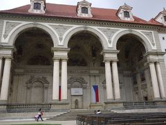 ヴァルトシュテイン宮殿、Hotel Aurus、ぶら下がる男発見!~チェコ&ブダペストの旅4