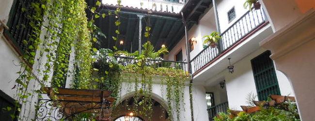 ハバナの旧市街をぶらぶら