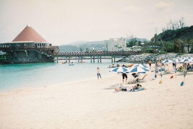 もう随分経ってしまいましたが、2013年GWの旅をアップします。<br />ちょいちょい撮った写真を見返すと、終始どんよりした天気だったっぽい。<br />メロウな沖縄の空気感を切り取りました。