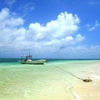 まっ白な砂浜だけの無人島「はての浜」は、想像をはるかに超える絶景だった。