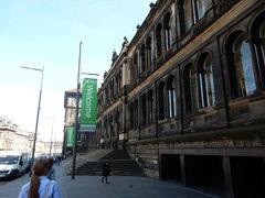 ④ 街歩きで見つけた立派な建物 スコットランド博物館