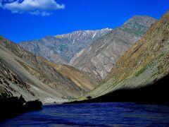 パミール高原縦断 山と花と人と 1首都ドゥシャンベからカライクムヘ、アフガニスタンとの国境を行く
