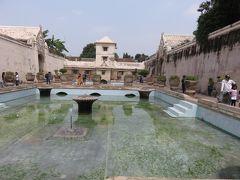 ジャワ島旅行記②(王宮、水の宮殿、プラオサン寺院)