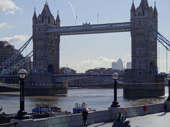 会社のお盆休みが6連休ある、ということは5日使って旅行しても1日休めるしょ!ということで<br />札幌からロンドンまでひとりで行ってみました。<br /><br />初ロンドンにつきベタな観光地ばかりですが、弾丸旅行計画のご参考になれば♪<br /><br /><br />○外観・周辺を見たところ <br />●時間をとって中に入ったところ<br /><br />○バッキンガム宮殿・衛兵交代式<br />○ウエストミンスター寺院<br />○ビッグベン<br />○テムズ河畔・ロンドン塔<br />●グリニッジ展望台<br />●ナショナルギャラリー<br />●トラファルガー広場<br />●ハリーポッタースタジオ<br />●大英博物館<br /><br />そのほかパブ2軒・アフタヌーンティー・ミュージカル鑑賞なども楽しめました。<br /><br /><br />◎航空機<br /><br />札幌-成田 全日空<br />成田-ヒースロー ヴァージンアトランティック<br /><br />VSのエコノミーはとーっても良かったのですが、残念ながら日本への就航は現在は終了しています。<br />復活してくれるといいのに・・。<br /><br />◎ホテル<br /><br />イビス ロンドンアールズコート3連泊