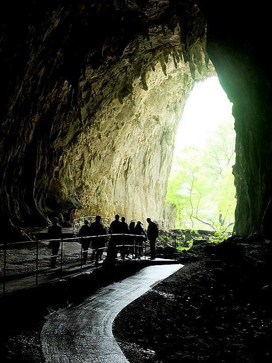 ★スロベニアあちこち −(4)地底の大渓谷シュコツィヤン鍾乳洞へ