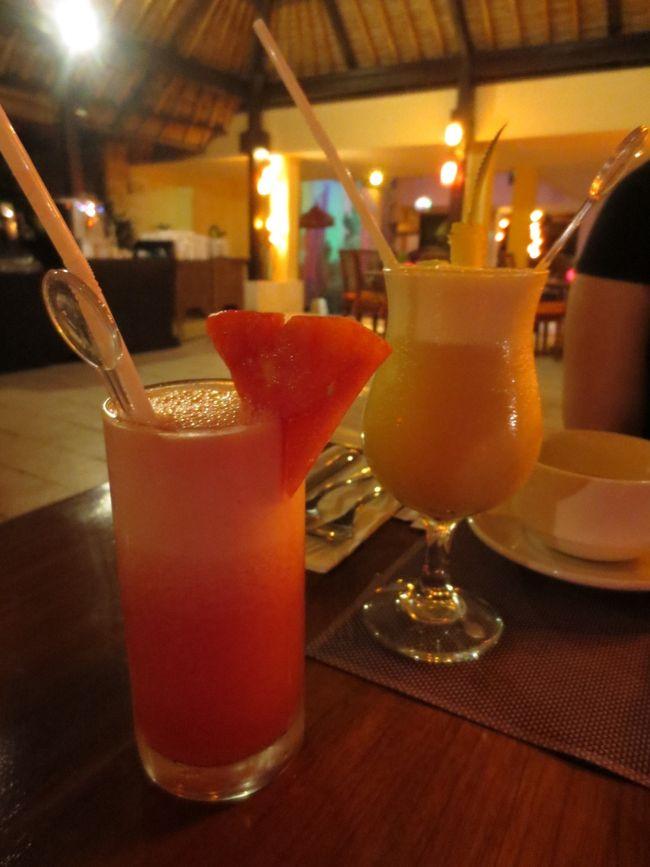 2014年の秋休みは、バリ島ダイビング。<br />お目当てはマンボウに会うこと。<br />東南アジアは不慣れだけど、ちょっとのお金でセレブ体験できるのがうれしい。<br /><br />航空会社:シンガポール航空<br />ホテル:メルキュールサヌール<br />ダイビングショップ:スランガンマリンサービス