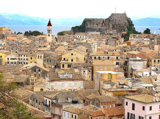 2015年の夏休みはギリシャで最も美しい島とも言われるコルフ島と、そこから船でアルバニアへ行って参りました(^^)前半のコルフ島では西部の景勝ビーチ、パレオカストリッツァに3泊し、海、巨大ウォーターパーク、そして世界遺産の旧市街を満喫♪ギリシャ危機とか言われてましたが、カードも銀行も問題なく使えて観光客で溢れていました!旅太郎52回目の海外旅行☆1日目:成田→2日目:→アテネ乗継観光→コルフ島3日目:4日目:5日目:コルフ島→サランダ(アルバニア)6日目:7日目:8日目:サランダ→コルフ島→アテネ9日目:アテネ→10日目:→成田