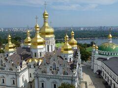 トランジット時間を利用してキエフ市内観光へ!! キエフはいたって平和でした(^^)