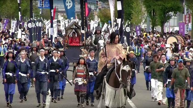 どうもワイエムです。<br /><br />本日お届けするのは、<br />新潟県上越市で開催された謙信公祭です。<br /><br />謙信公祭(8月21〜23日)は今年で90回目。<br />過去最高の24万3000人の入り込みと発表されています。<br />Gackt効果もあり、集客数が例年の4倍以上になっている、<br />日本一のサムライフェスティバルです。