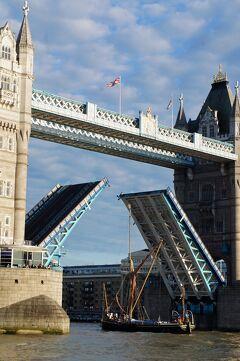 倫敦之旅(9)セント・キャサリン・ドックのディケンズ・インとテート・モダンと夜景散歩。