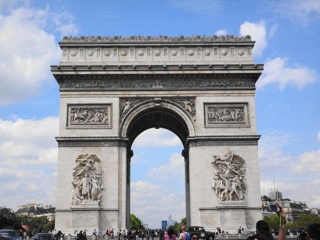 おいしいもの、絶景を求めて・・・<br /><br />8/15 パリ<br />8/16 モン・サン・ミッシェル<br />8/17 パリ<br />8/18 ヴェルサイユ、パリ<br />8/19 パリ、ブリュッセル<br />8/20 ブリュッセル、ケルン<br />8/21 ライン渓谷、フランクフルト<br />8/22 帰国<br /><br />仔猫といっしょ計画<br />http://blog.livedoor.jp/shohei72/