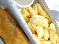 イギリスのソウルフード「フィッシュ&チップス」を食べてきました!