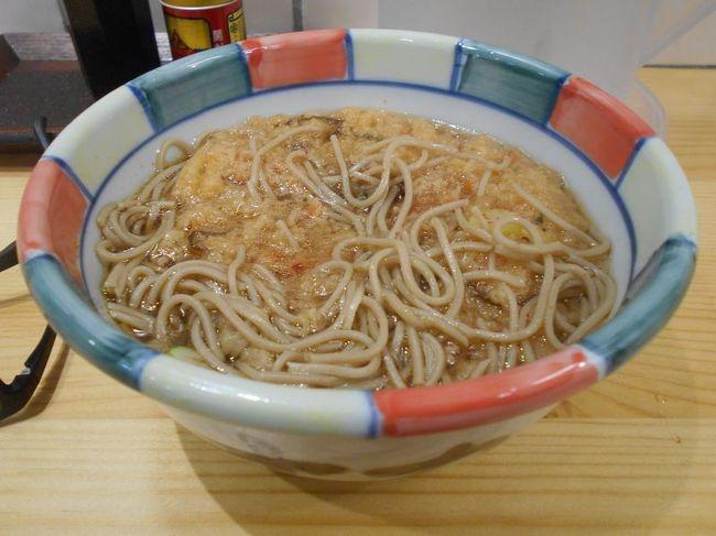 弾丸海外の旅とか、マニアックな国内の旅を好む私ですが、<br /><br />たまには「ベタ」(関西芸人がいうところの定番中の定番の意)<br /><br />な郷土料理を食することがあります。<br /><br />今回は、長野県の「信州そば」をご紹介します。金沢での仕事のついでに訪れました。<br /><br /><br />★「ベタ」な郷土料理シリーズ<br /><br />あんこう鍋(茨城)<br />http://4travel.jp/traveler/satorumo/album/10435999/<br />白石温麺(宮城)<br />http://4travel.jp/traveler/satorumo/album/10530961/<br />ほっきめし(宮城)<br />http://4travel.jp/travelogue/10865730<br />深川丼(東京)<br />http://4travel.jp/travelogue/10876845<br />江戸蕎麦(東京)<br />http://4travel.jp/travelogue/10879052<br />お好み焼き(大阪)<br />http://4travel.jp/travelogue/10883258<br />どぜう鍋(東京)<br />http://4travel.jp/travelogue/10902556<br />へぎそば(新潟)<br />http://4travel.jp/travelogue/10912408<br />牛鍋(神奈川)<br />http://4travel.jp/travelogue/10913116<br />品川めし(東京)<br />http://4travel.jp/travelogue/10919410<br />柳川鍋(東京)<br />http://4travel.jp/travelogue/10929908<br />稲庭うどん(秋田)<br />http://4travel.jp/travelogue/10940200<br />耳うどん&大根そば(栃木)<br />http://4travel.jp/travelogue/10964395<br />ザンギ(北海道)<br />http://4travel.jp/travelogue/10982097<br />ます寿司(富山)<br />http://4travel.jp/travelogue/10983305<br />おやき(長野)<br />http://4travel.jp/travelogue/10986494<br />昆布締め(富山)<br />http://4travel.jp/travelogue/10990518<br />きりたんぽ(秋田)<br />http://4travel.jp/travelogue/10993870<br />皿そば(出石そば)(兵庫)<br />http://4travel.jp/travelogue/10996715<br />越前おろしそば(福井)<br />http://4travel.jp/travelogue/10997975<br />伊勢うどん&さんま寿司&赤福(三重)<br />http://4travel.jp/travelogue/11000289<br />讃岐うどん(香川)<br />http://4travel.jp/travelogue/11003802<br />はっと汁(岩手)<br />http://4travel.jp/travelogue/11010125<br />ラフテー&沖縄そば&ミミガー&ソーキ&ジューシー<br />&ジーマーミー豆腐&海ぶどう (沖縄)<br />http://4travel.jp/travelogue/11013318<br />ポーク玉子&中身汁&てびち汁(沖縄)<br />http://4travel.jp/travelogue/11015587<br />味噌煮込みうどん&名古屋コーチン (愛知)<br />http://4travel.jp/travelogue/11017241<br />桜えび&麦とろろ&黒はんぺん(静岡)<br />http://4travel.jp/travelogue/11020078<br />江戸前天ぷら(東京)<br />http://4travel.jp/travelogue/11022286<br />はりはり鍋&ガッチョのから揚げ(大阪)<br />http://4travel.jp/travelogue/11022971<br />なめろう&さんが焼き (千葉)