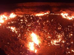 SWウズベキスタン&トルクメニスタン(2) 地獄の門&クニャウルゲンチ