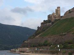 のんびりを満喫、古城を楽しむライン川下り