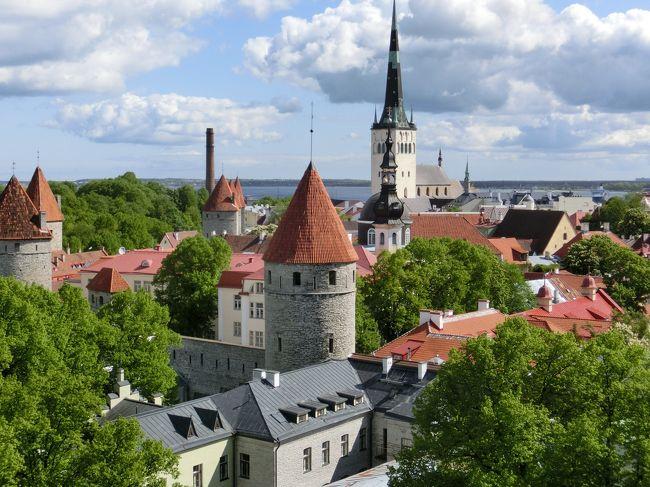 タリン トームペア展望台より聖オレフ教会方向を見る   <br /><br />タリン:エストニアの首都  人口約54万人 歴史地区は世界遺産<br /><br />11日目 5/31(日)<br />     ・9時、アパートを出発<br />     ・聖ニコラス教会から<br />     ・トームペアの大聖堂を経由して<br />     ・オレフ教会回りを観光<br />     ・18時頃帰着<br />      <br />旅行全般については、総集編をご覧ください。<br />総集編 http://4travel.jp/travelogue/11021564          <br />