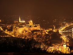中央ヨーロッパは歴史遺産と一緒に歩む街、真冬は黄金色に煌めく「おとぎの国観光」