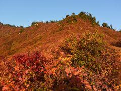 燃えるような山肌だった 紅葉の平ヶ岳♪ 鷹ノ巣登山口から