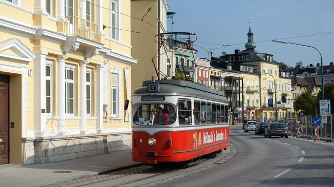 またまた路面電車の旅に出かけました。<br />今回は4カ国8都市で走る路面電車を見に行きました。(●は路面電車)<br />9月17日:成田(飛行機)→●モスクワ(飛行機)→●ウイーン(バス)→●ブラスチスラヴァ(スロバキア)<br />18日:(船)→●ウイーン(電車)→●リンツ<br />19日:(電車)→●グムンデン(電車+船)→ハルシュタット<br />20日:(電車)→バードイッシュ(電車)→●グラーツ(電車)→ザルツブルグ<br />21日:(電車)→エンバッハ→●インスブルック(夜行電車)→フィラッハ<br />22日:(バス)●ベネチア→<br />23日:(飛行機)→●モスクワ<br />24日:(飛行機)→成田