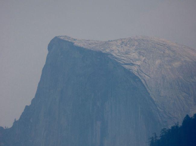 2013年に続いて二度目のスター・アライアンス・周回の旅 今年のテーマは「Glacier」でございます。<br />後半はヨセミテ・ナショナル・パークからアラスカへ転じ、生まれて初めてのクルーズ、そこから一気に南半球へ飛んでニュー・ジーランド南島のバス・ツアーへ参加します。<br /><br /> いよいよ待ってましたの、ヨセミテにレッツゴー!でございます。