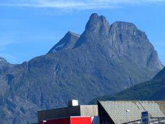 2015.8ノルウエーフィヨルドドライブ1771km 19-Andalsnesの郊外のスーパーで買い物,Trollstigenを戻る
