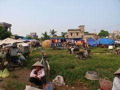 Ninh Binh ニンビンの早朝、cho=市場に行く。