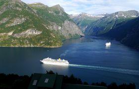 2015.8ノルウエーフィヨルドドライブ1771km 25-StrynからStrandaのコテージに帰る,巨大客船の競演