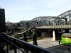 警備が厳しかった旧植物園、ミュンヘン中央バスターミナル(ZOB)、そしてインスブルックへのバスの旅