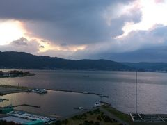一枚の葉書に誘われて…晩秋の信濃路へ一人旅 vol.1  上諏訪湖畔のRAKO華乃井ホテルへ。