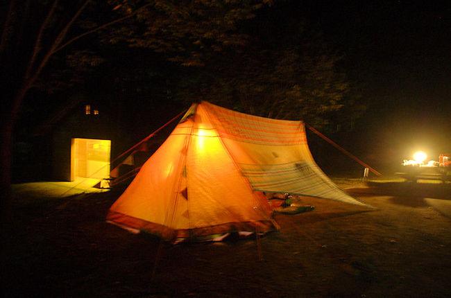 駒ヶ根でキャンプをしました。長野県の十月は寒いはずですが、この日は奇跡的に暖かい日でした。<br /><br />利用したのは、「駒ヶ根アルプスの丘 家族旅行村」<br />https://www.chuo-alps.com/family/<br /><br />なお、このアルバムは、ガンまる日記:駒ヶ根でオートキャンプ(1)[http://marumi.tea-nifty.com/gammaru/2015/12/post-6bfa.html]<br />とリンクしています。詳細については、そちらをご覧くだされば幸いです。