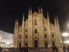 ミラノ市内観光と、サンタ・マリア・デッレ・グラツィエ教会(42)でレオナルド・ダ・ヴィンチの名画「最後の晩餐」を鑑賞します。