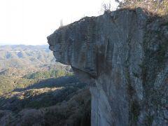 上に下に、抜けがいい。鋸山の末端で、固唾をのむ。