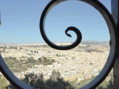 迷宮散策のその前に・・・各所でイスラム模様を堪能しました♪ (親子旅第九弾 モロッコ 05 フェズ早朝編)