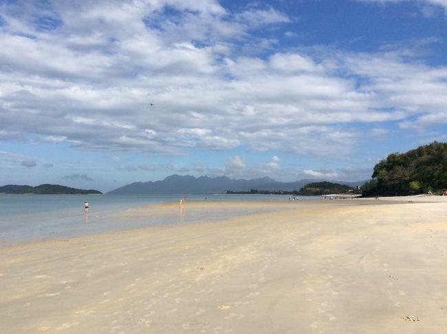 去年もこの時期行ったマレーシア。ビールが高くてブーブー文句言ってたら、「ランカウイ島なら免税だから、ビールも安いよ」と教えてくれた。<br />それを確かめに、そして日頃のストレスを出し切るため、ランカウイ島でのんびりビーチリゾートしようと行ってきました。
