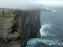 ★アイルランド夏の再訪(4) −ドン・エンガスの絶壁があるイニシュモア島へ