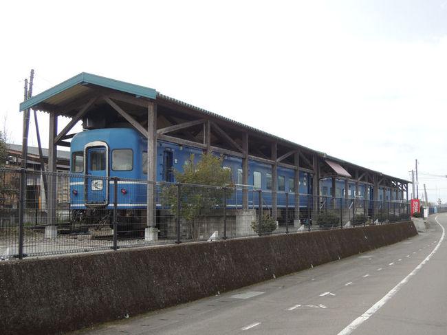 宮崎空港から九州に入り、熊本方面に移動したのは、ブルトレを改造した宿、ブルートレインたらぎに宿泊するためでした。<br /><br />ブルートレインたらぎ<br />[http://www.bluetrain-taragi.com/]<br /><br />なお、このアルバムは、ガンまる日記:宮崎~熊本~福岡の旅(3)[http://marumi.tea-nifty.com/gammaru/2016/03/post-6414.html]<br />とリンクしています。詳細については、そちらをご覧くだされば幸いです。